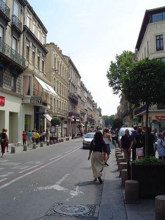 Avignon shops on Rue de la Republique
