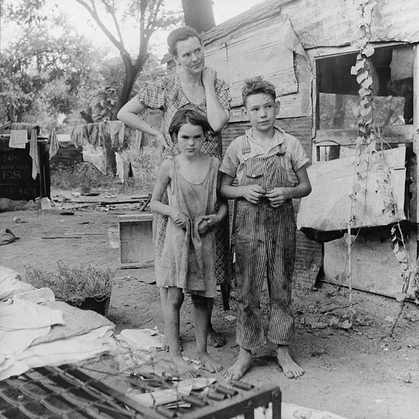 Poor mother and children during the Great Depression